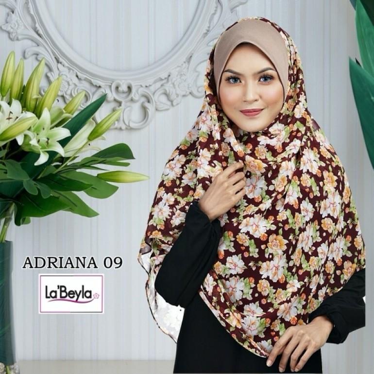ADRIANA 09